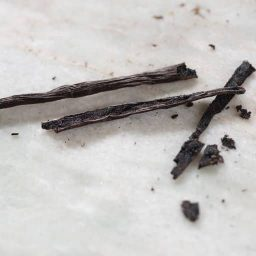 aufgeschnittene Vanilleschoten