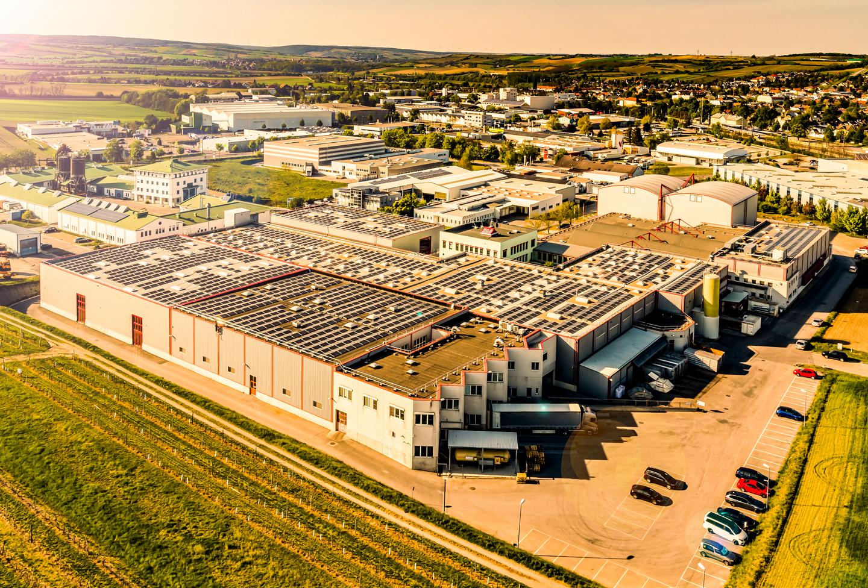 Kotányijeva zgrada tvrtke u Wolkersdorfu fotografirana iz ptičje perspektive