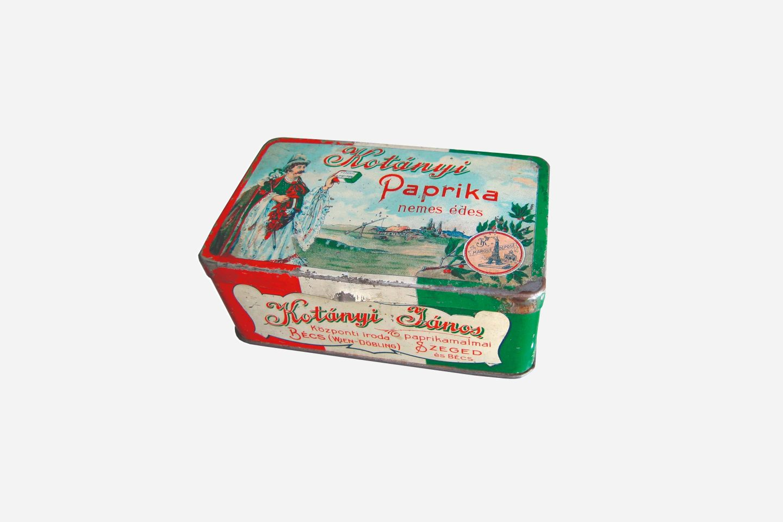 Pakiranje mljevene paprike Kotányi iz 1900.